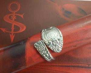 Besteckschmuck Ring ♥  Romantique  Ring aus einem Löffel Größe 62 Stielende