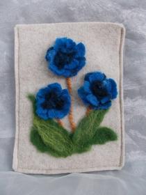 Hülle Case Etui Tasche für E-Book-Reader aus Filz und handegefilzen Blumen  ♥ Kornblume beige - Handarbeit kaufen