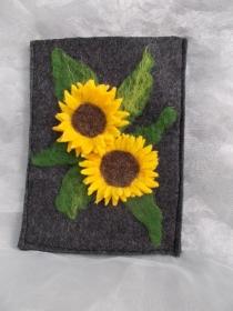 Hülle Case Etui Tasche für E-Book-Reader aus Filz und handegefilzen Blumen  ♥ Sonnenblume grau - Handarbeit kaufen