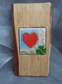 Holzbild mit Fliese   ♥  * Love * Herz  aus  Palettenholz und handgefertigter Fliese