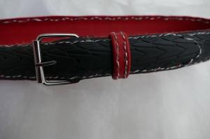 Gürtel ♥ Upcycling Gürtel Fahrradreifen mit Profil und rotem Leder M - Handarbeit kaufen