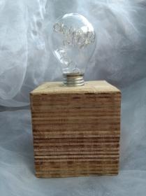 Tischlampe Dekolampe Glühbirme  Lampe ♥  *Glühlampe Stripes* aus einem Palettenklotz und alten Glübirne mit LEDs  - Handarbeit kaufen