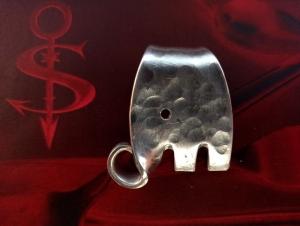 Besteckschmuck Anhänger ♥ *Little Elefant* Hammerschlag Lagenlook - Handarbeit kaufen