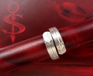 Besteckschmuck Ring ♥  *Cross* Ring  aus einem Teil der Hummergabel Größe 59  - Handarbeit kaufen