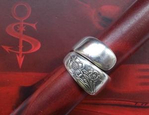 Besteckschmuck Ring ♥  Anemone Ring aus einem Löffel Größe 58 Stielende