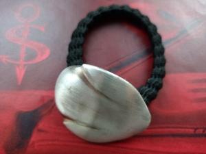 Besteckschmuck Haargummi ♥ Haargummi *TULPE* aus einem Sahnelöffel matt gebürstet - Handarbeit kaufen