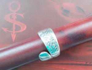 Besteckschmuck Ring ♥  Anemone Ring aus einem Löffel Größe 56 Stielende - Handarbeit kaufen