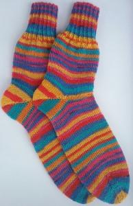 Gr. 38/39: Farbenfrohe handgestrickte Socken kaufen