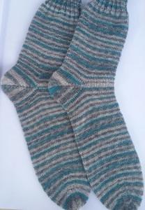 Gr. 42/43: Kuschelige Socken von Hand gestrickt aus Regia-Wolle bestellen (Kopie id: 47255)