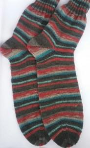 Gr. 48/49: Kuschelige Socken von Hand gestrickt aus Regia-Wolle bestellen