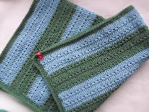 gehäkelte Decke ca.80 X 70 cm blau grün gestreift aus Wolle - Handarbeit kaufen