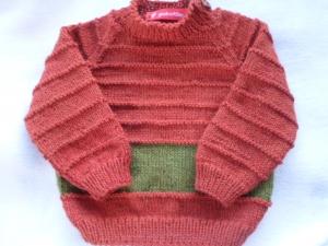Gr.80/86 Pullover in rost mit grünem Streifen aus reiner Wolle mit Liebe handgestrickt - Handarbeit kaufen