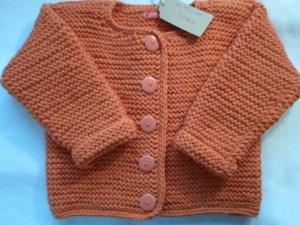 Gr. 92/98 Strickjacke in orange aus dicker reiner Merinowolle kraus rechts handgestrickt - Handarbeit kaufen