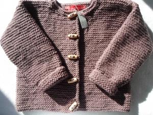 Gr.92/98 Strickjacke für Kinder in mauve aus strapazierfähiger Wolle kraus rechts handgestrickt