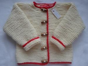 Gr.74/80 Strickjacke für Kleinkinder in naturweiß mit rotem Garn umrandet aus strapazierfähiger Wolle kraus rechts handgestrickt                                         - Handarbeit kaufen