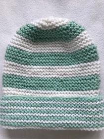 Mütze für Kinder bis 8 Jahren in mint weiß gestreift aus Wolle kraus rechts handgestrickt - Handarbeit kaufen