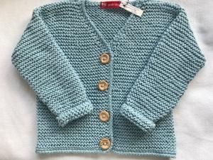 Gr. 92/98 Kinderstrickjacke in hellblau mit V-Ausschnitt aus reiner Baumwolle kraus rechts handgestrickt - Handarbeit kaufen