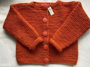 Gr. 92/98 dicke Kinderstrickjacke in orangemelange aus strapazierfähiger Wolle kraus rechts handgestrickt - Handarbeit kaufen