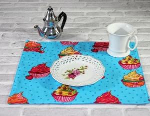 Tischset in Türkisblau mit Muffin Muster Tischdecke Platzdeckchen - Handarbeit kaufen