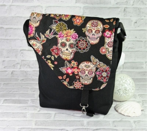 Skull Tasche Messenger Frau Umhängetasche Handmade Produkt - Handarbeit kaufen