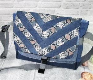 Umhängetasche Messenger Damen Jeanstasche upcycling  Patchworktasche animal Schlangenmuster - Handarbeit kaufen