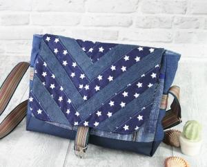 Umhängetasche Messenger Damen Jeanstasche upcycling Jeans patchworktasche blau Sterne - Handarbeit kaufen