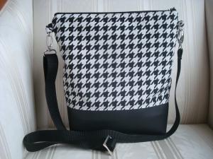 Umhängetasche - Schultertasche - Cross Body Bag -  aus dem angesagten Hahnentrittmuster und Kunstleder - genäht - ☆ von Patchwerk ☆