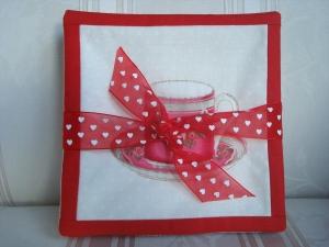 4 Tassenuntersetzer - Glasuntersetzer - Mug Rugs - mit Tassenmotive in rot  ☆ von Patchwerk ☆ - Handarbeit kaufen