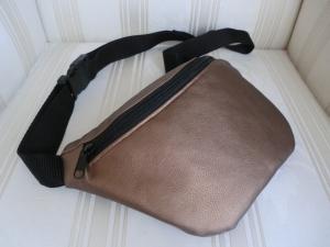 Bauchtasche - Hüfttasche - aus bronzefarbenem  Kunstleder  - genäht von Patchwerk