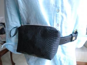 Gürteltasche - Hüfttasche - aus schwarzem Kunstleder - genäht von Patchwerk - Handarbeit kaufen