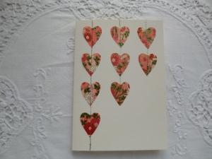Grußkarte mit roten Herzen aus Japanpapier - von Patchwerk - Handarbeit kaufen