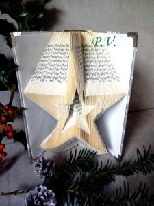 Gefaltetes Buch mit ☆STERN☆ Motiv als Weihnachtsdekoration