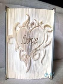 Gefaltetes Buch ♥ Love im flammenden Herzen ♥