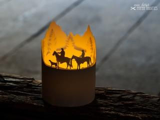 Windlicht-Bastelbogen »Wanderreiten in den Alpen« zum Beleuchten mit einem (LED)-Teelicht