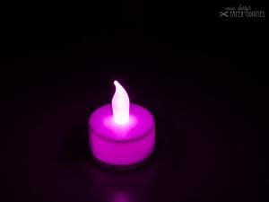LED-Teelicht mit heller pinkfarbener Flamme, flackert nicht - Handarbeit kaufen