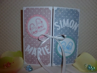 Glückwunschkarte Zwillinge zur Geburt oder Taufe - individualisierbar mit aktuellen Namen - Handarbeit kaufen