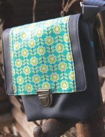 Handtasche genäht aus Kunstleder und Baumwolle