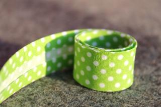 1m Pünktchenschrägband, grün