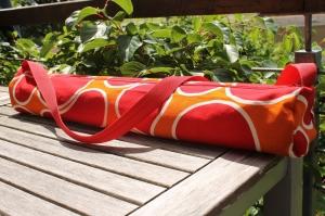 Yogamatten-Tasche genäht aus Stoff und Gurtband