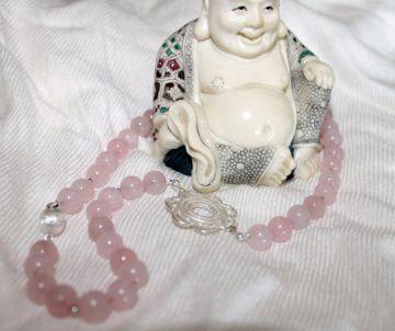 Kette aus Rosenquarz mit silberner Blüte und Magnetverschluss 925er Silber, Unikat, Stein der Liebe, Heilstein, Edelstein