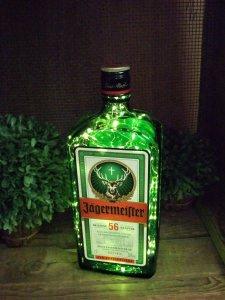 Jägermeister Flasche mit 100er LED Lichterkette beleuchtet