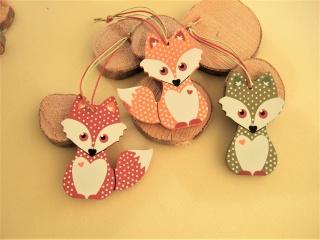 3 Füchse aus Holz zum Hängen in herbstl. Farben