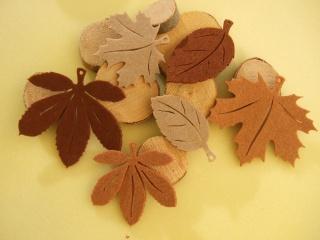 5 Herbstblätter Filz Ahorn, Kastanie...Herbstlaub brauntöne