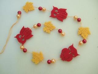 Herbstliche Girlande Filz mit Eulen und Blättern und Perlen