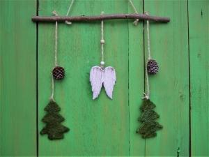 Weihnachtliche Fenster- oder Türdeko, Engelsflügel, Sisaltanne, Zapfen