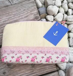 Handgenähtes Kosmetiktäschen✂Schminktäschchen vintage Blumen und Streifen✂kleines Täschchen mit Reißverschluß✂grün rosa beige