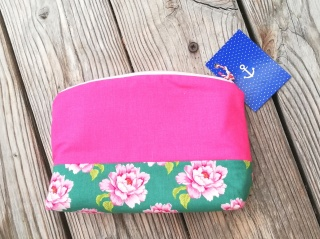 Handgenähtes Kosmetiktäschen✂Schminktäschchen vintage Blumen✂kleines Täschchen mit Reißverschluß✂floral grün rosa pink petrol