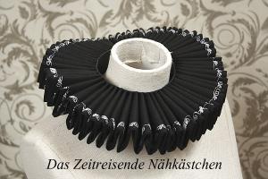 Mühlsteinkragen, Gran Gola, schwarz mit Stickerei, 36cm Halsweite