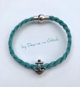Zartes, geflochtenes Wildlederarmband mit Anker-Perle in türkis-blau