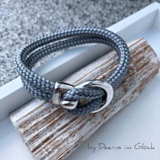 Maritimes Segeltau-Armband mit versilbertem Verschluss (hellgrau)